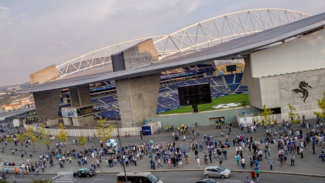 Do Dragao, Oporto
