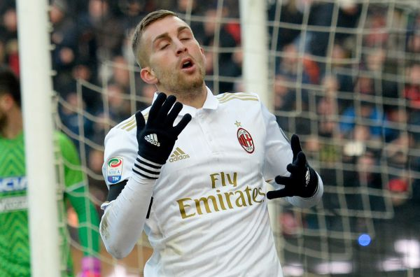 Gerard Deulofeu sbarca in Serie A tra le fila del Milan. Era all'Everton in Premier League.