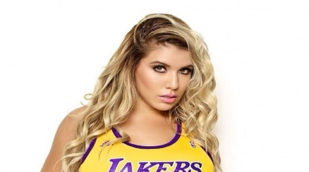 Chantel Zales si scalda per i Lakers