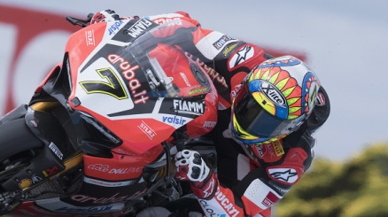 Prima gioia per Davies, Rea allunga in classifica