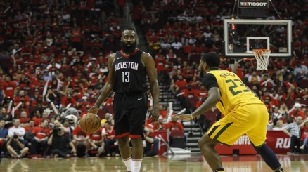 NBA, Harden meglio di James