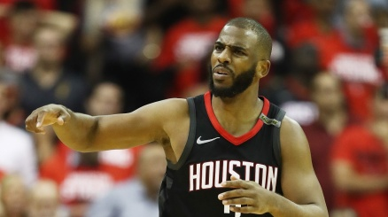 NBA, Paul resta ai Rockets