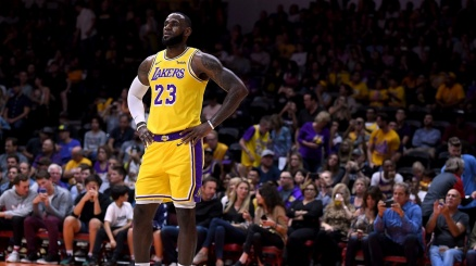 NBA, passo falso dei LA Lakers
