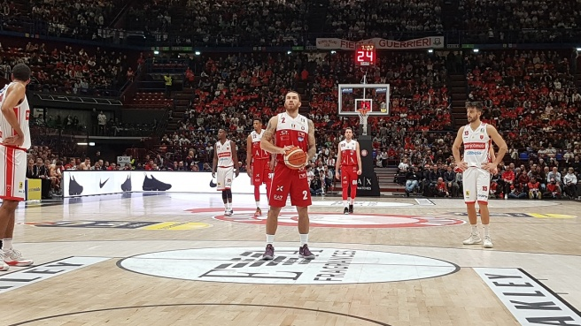 Milano Olimpia Mike James