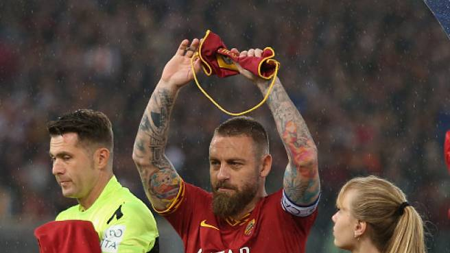 De Rossi, commovente addio