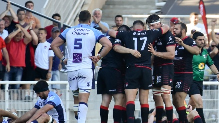 Top 14, avanti Lione e La Rochelle. Grenoble in D2
