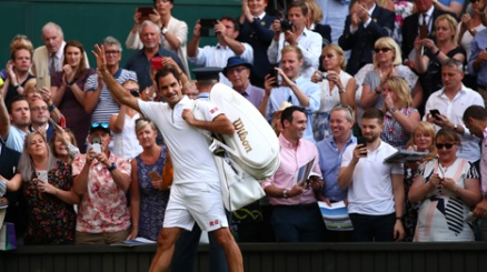Wimbledon, Federer doma Nadal e vola in finale