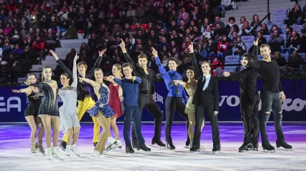Carolina Kostner torna a pattinare a Milano