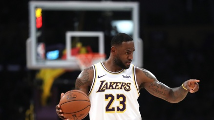 NBA, James asfalta i Cavs
