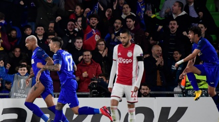 Europa League: crollo Ajax, disfatta portoghese