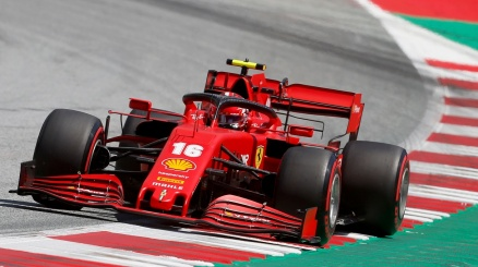 F1, pole di Bottas in Austria. Fiasco Ferrari