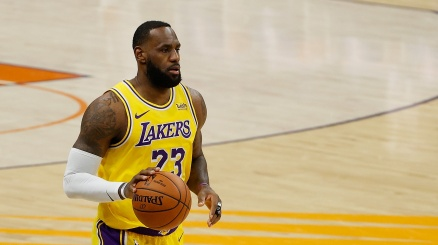 NBA: LeBron James non ha pietà dei Cavs