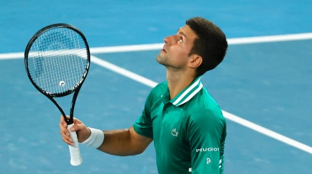Australian Open: finale a Djokovic, Medvedev tramortito in tre set