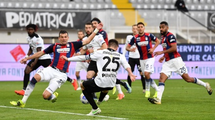 Spezia, incredibile 3-2 in rimonta sul Crotone