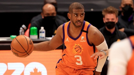 NBA, il ruggito del veterano Chris Paul