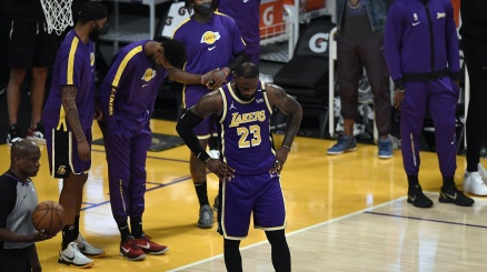 NBA: altro pesante tonfo per i Lakers di James